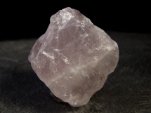 Kwarc różowy - naturalna, nieobrobiona bryłka